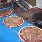 упаковка пиццы в термоусадочную пленку